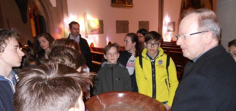 Firmlinge besuchen Bischof Benno