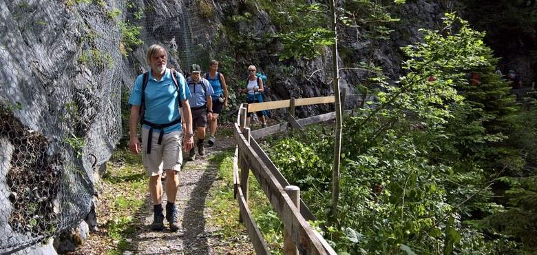 """Spirituelle Wanderung der KMB: """"Männer auf dem Weg"""" vom Ebniter Tal zur Mörzelspitze"""