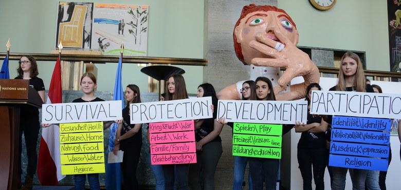 Kinderrechte überlebensgroß